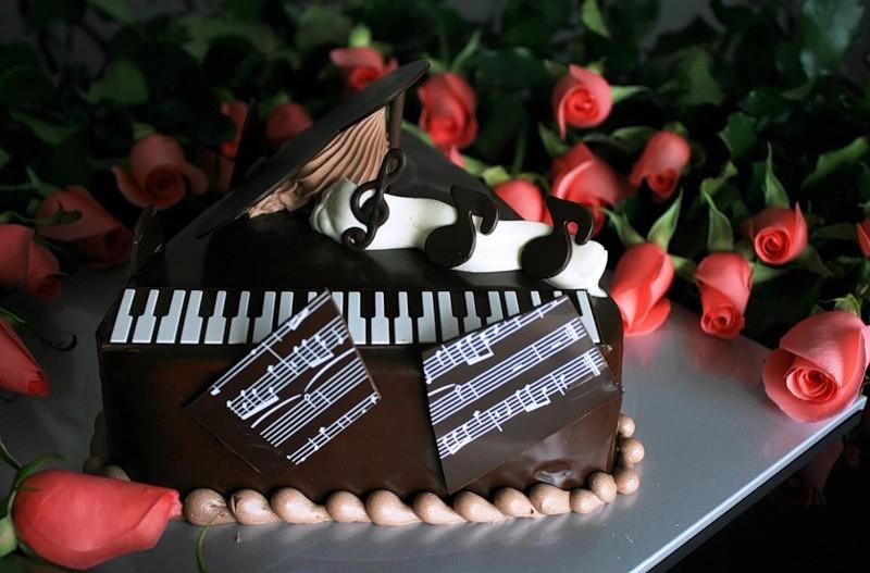 Поздравление с днем рождения мужчине и музыканту